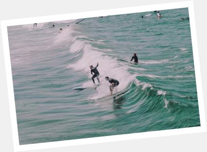 aulas de surf com instrutores certificados